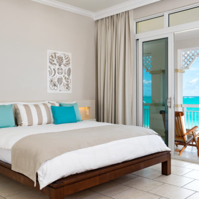 Deluxe One Bedroom Beachfront Suite